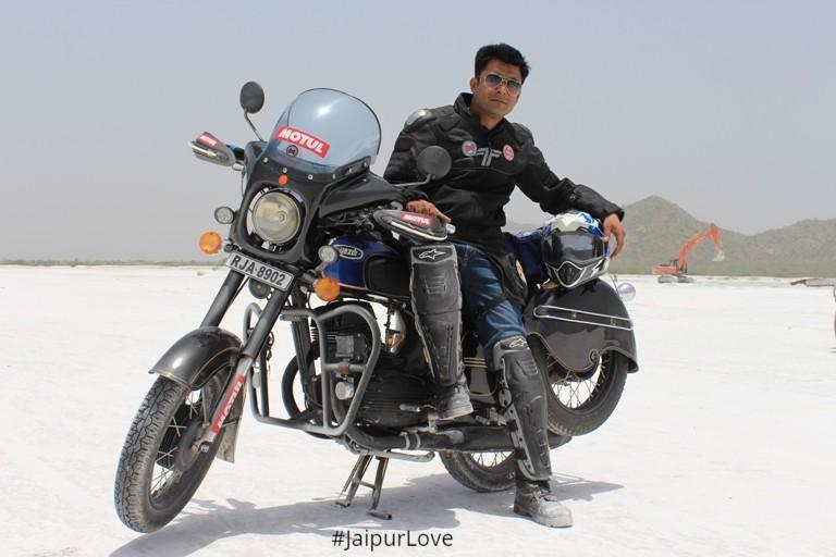 Image source Rajasthan Jawa Yezdi Club