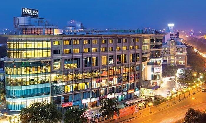 Fortune Select Metropolitan 5 star luxury hotel jaipur