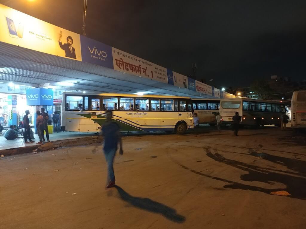 jaipur bus stand night